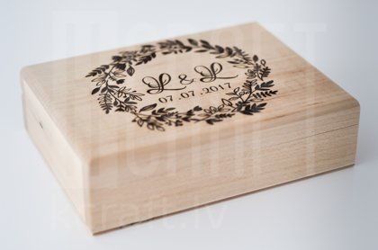 Koka gredzenu kastīte, divi nodalījumi